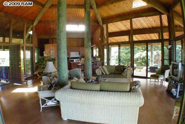 The Environmentally Friendly Hawaiian Pole House Hawaii Real