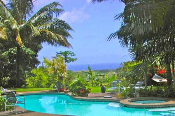 Maui bed and breakfast with Pool