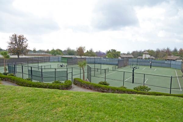 Tennis and Basketball at Puu Lani Ranch