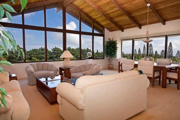 Home on 5 acres for sale in Hawi with mac nut orchard