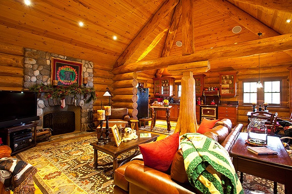 WAIKII GUEST COTTAGE LIVING AREA