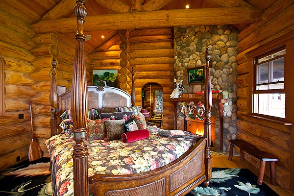 WAIKII RANCH MASTER SUITE