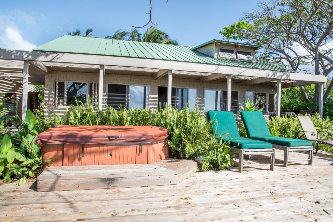 Oceanfront exterior of Caretakers' Ohana