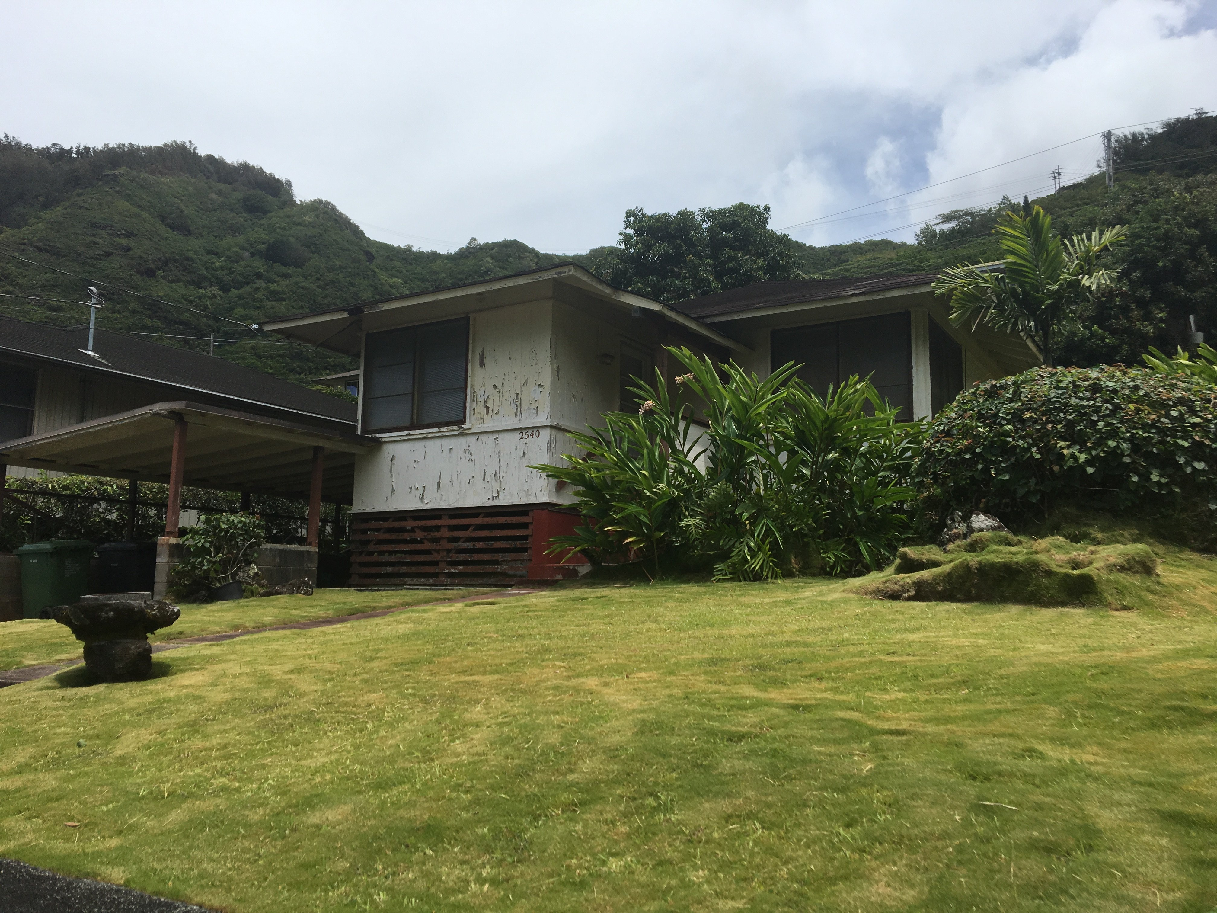 What are Houses like in Honolulu's Palolo Valley ... Old Hawaiian Plantation Homes on