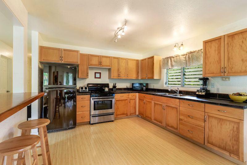 5-7497 KUHIO HWY Kitchen-1