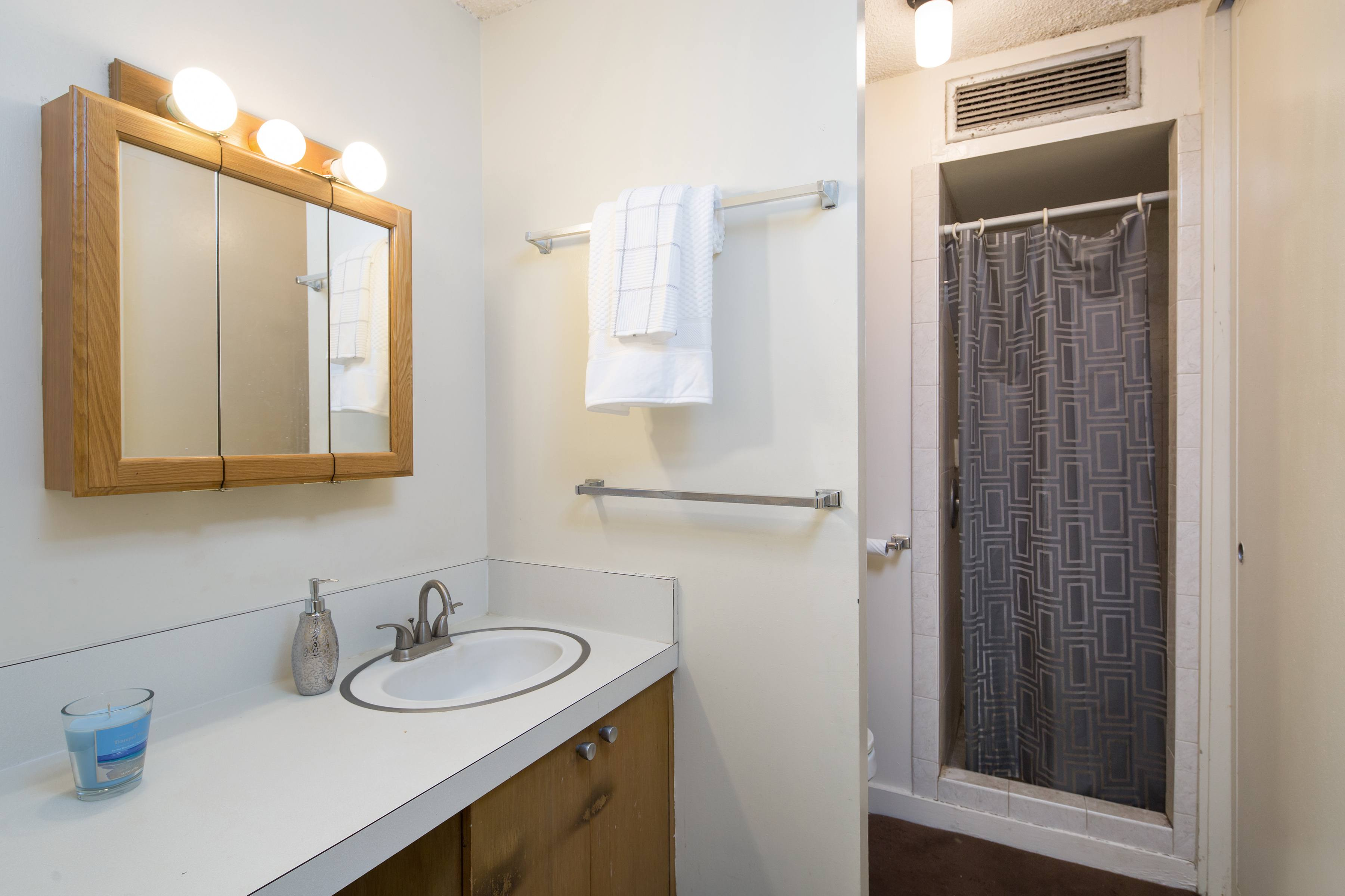 Lowest Price Unit In Holiday Manor Building Honolulu $232,500 ...