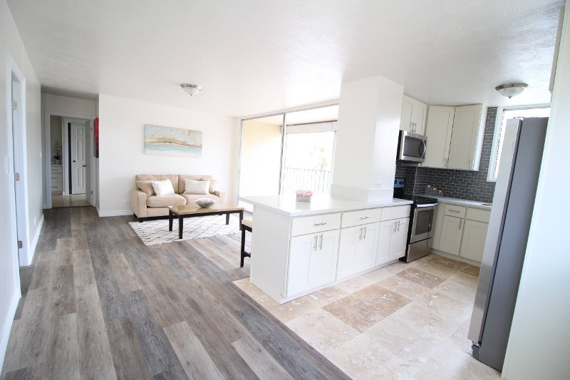 Renovated Gem In World Famous Waikiki Hawaii Real Estate Market Classy Vinyl Flooring Living Room Concept