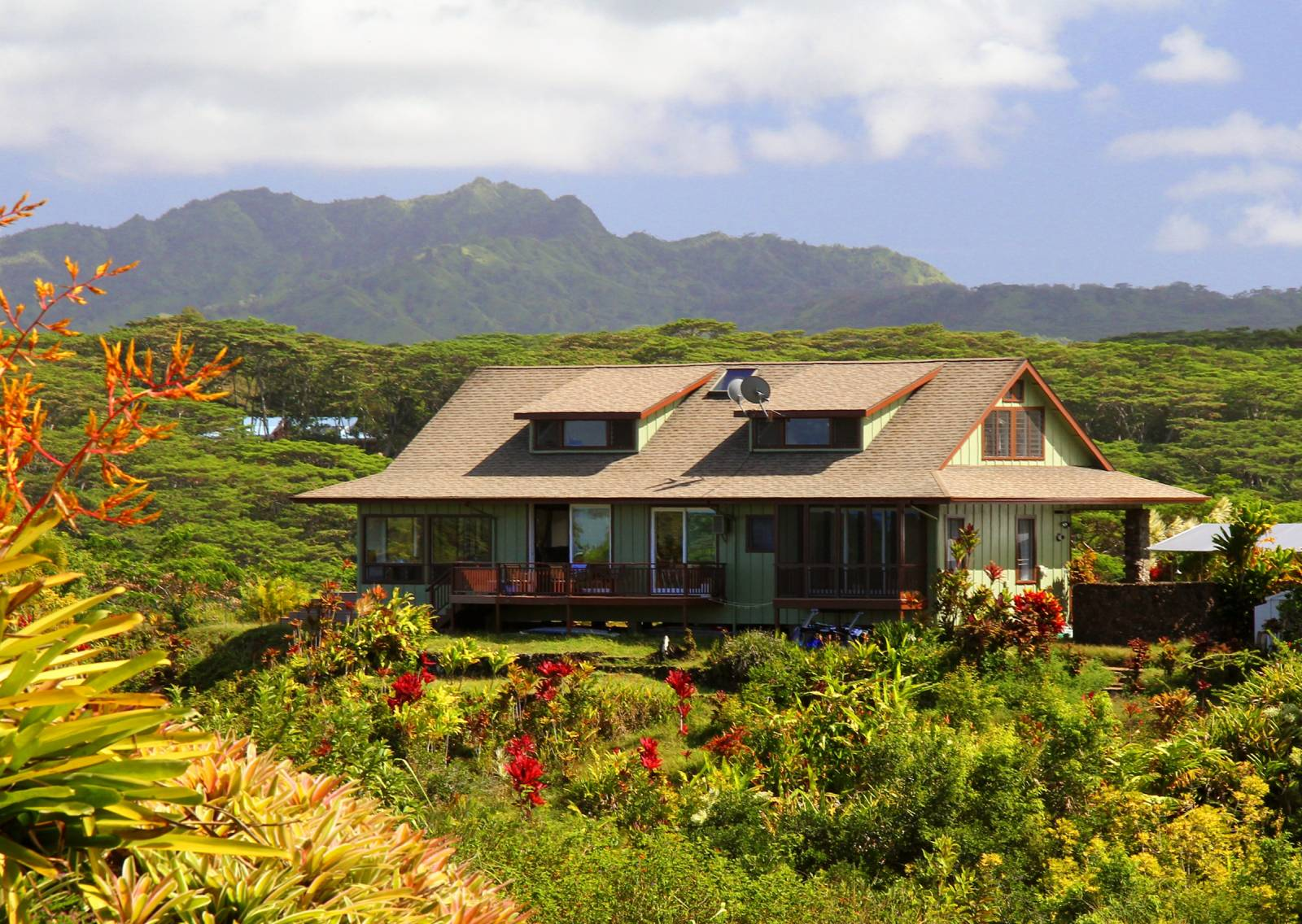 How to live a more sustainable hawai i life hawaii real for Kauai life real estate