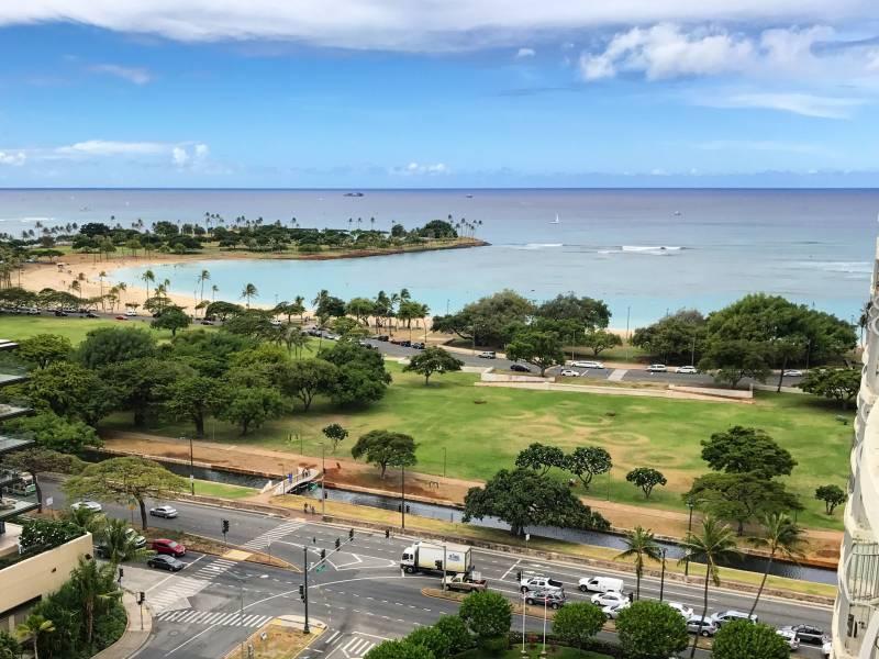 Ala Moana Beach Park