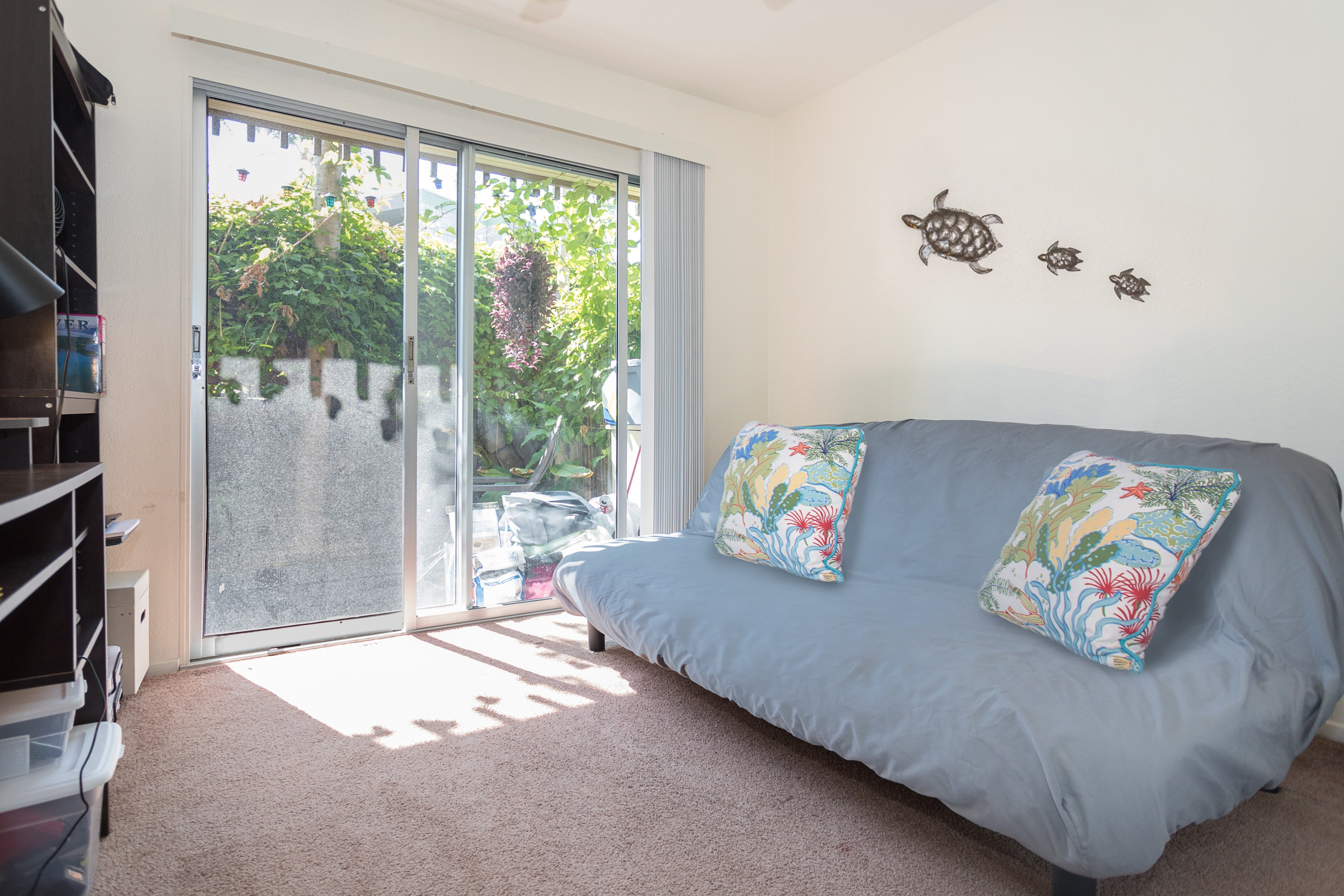 2nd bedroom opens to private lanai
