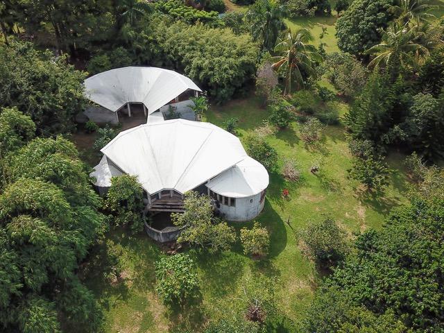 architect-designed concrete house Hawaii