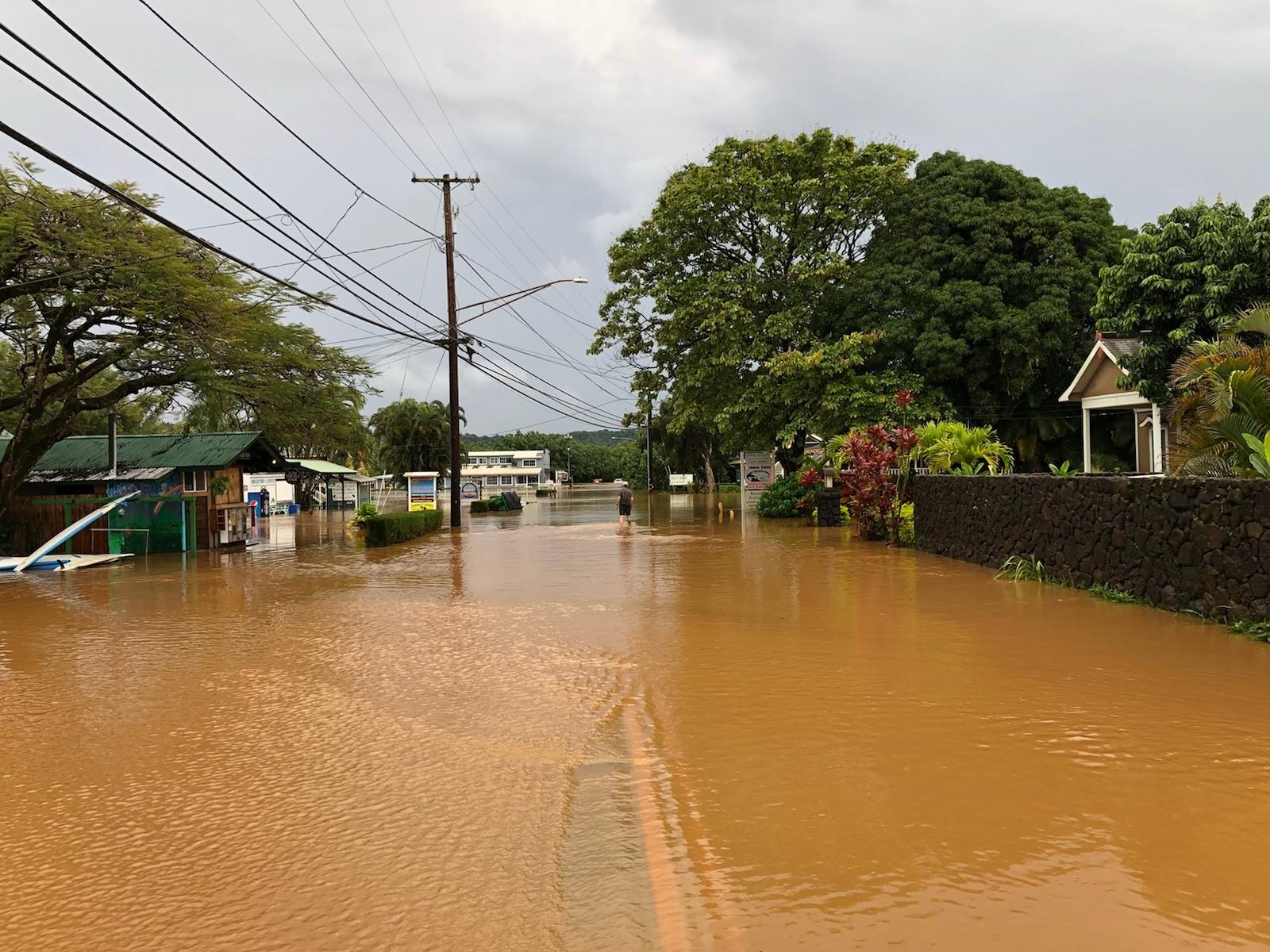 Kauai oahu disaster relief efforts hawaii real estate for Kauai life real estate