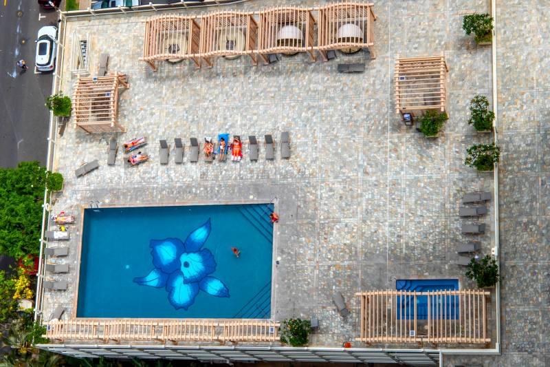Island Colony pool deck