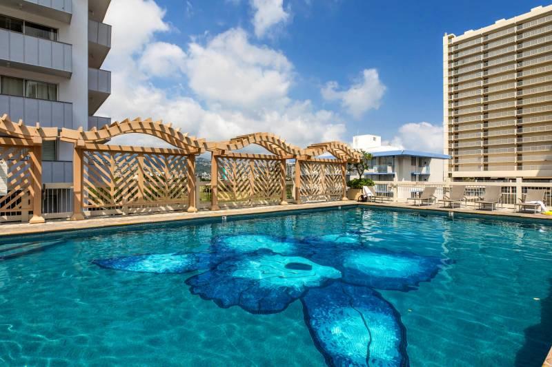 Island Colony pool