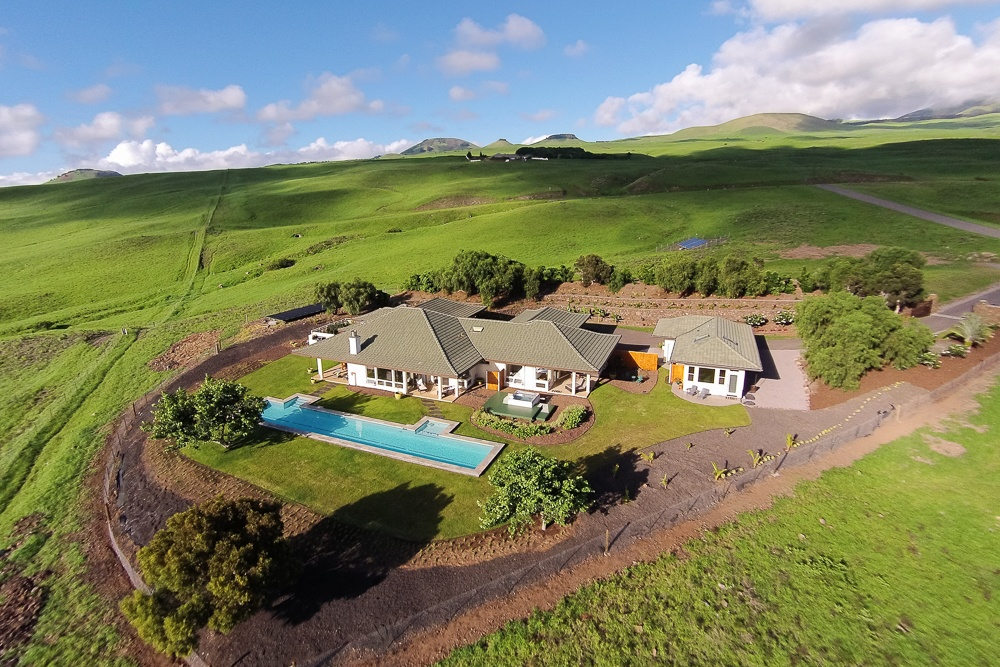 Kohala Ranch Meadows home with guest quarters