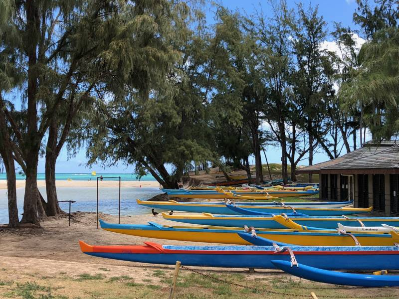 outrigger canoes at kailua beach