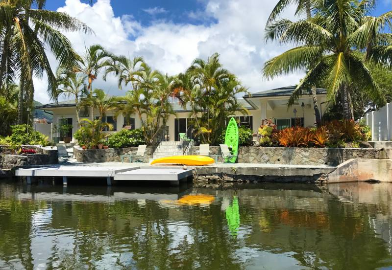 Waterfront homes in Kailua on Kaelepulu Stream