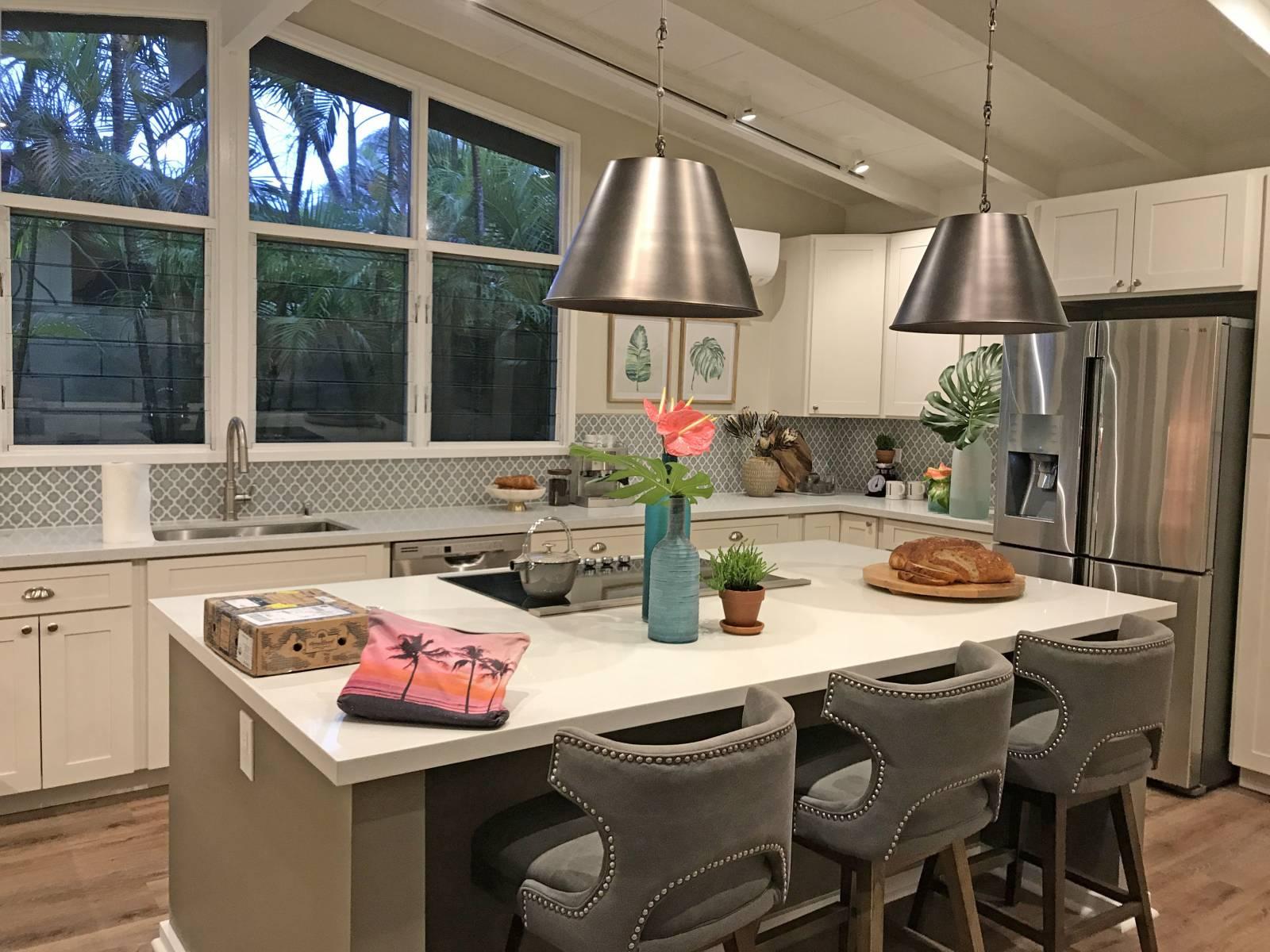 Aloha Builds Kitchen