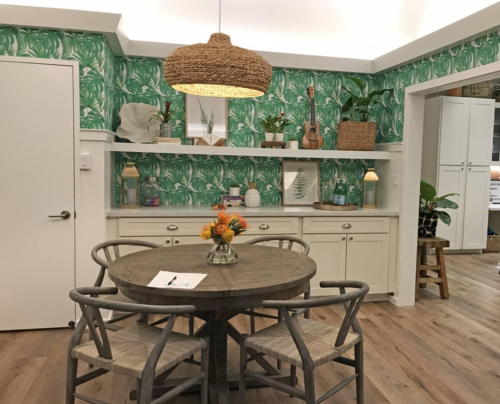 Aloha Builds Flex Room