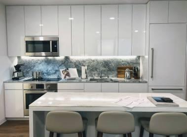 Aalii kitchen