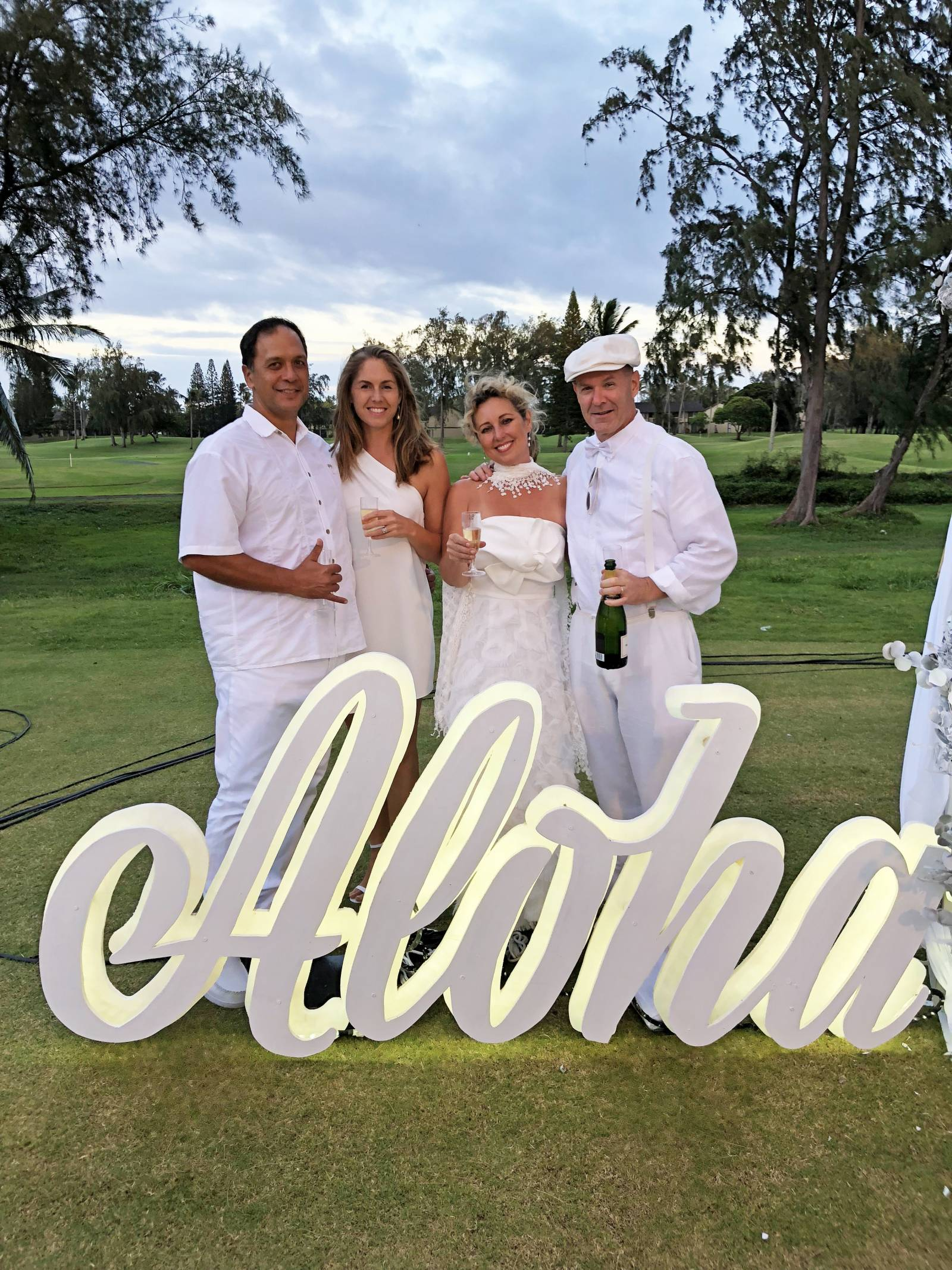 Photo Ops at Diner en Blanc Honolulu at Turtle Bay.