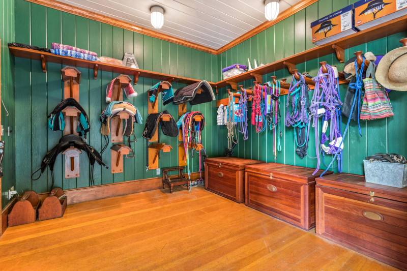 An Equestrian Paradise Within Kohala Ranch On The Big