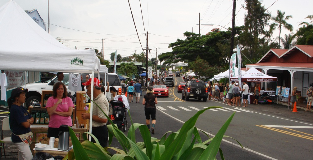 Residents and visitors enjoy the Coffee and Art Stroll in Holualoa