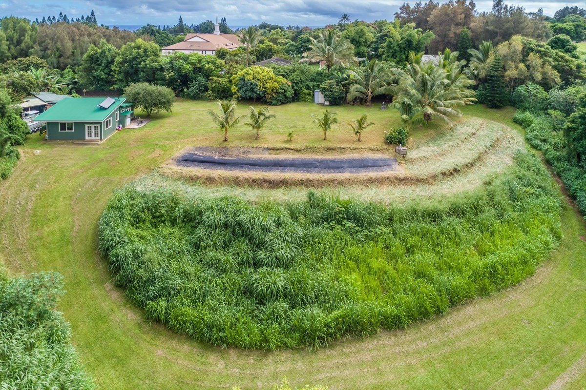 Hawi home on one acre