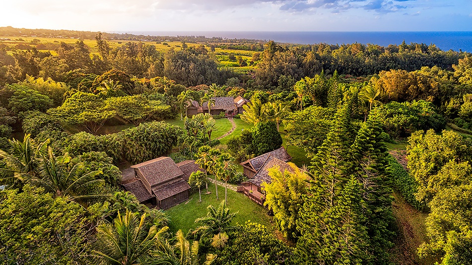 Two homes on acreage Hawi for sale