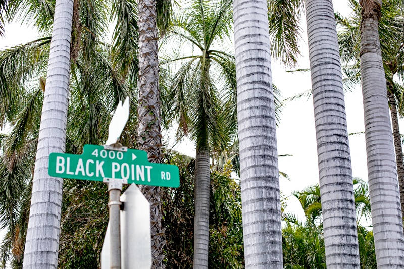 black point hawaii street sign
