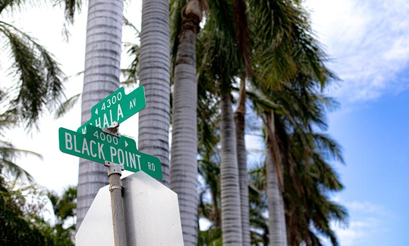 black point hawaii street sign