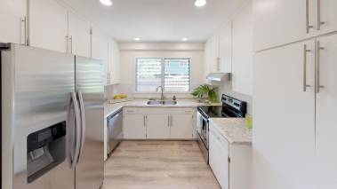 Modern kitchen Haleiwa home