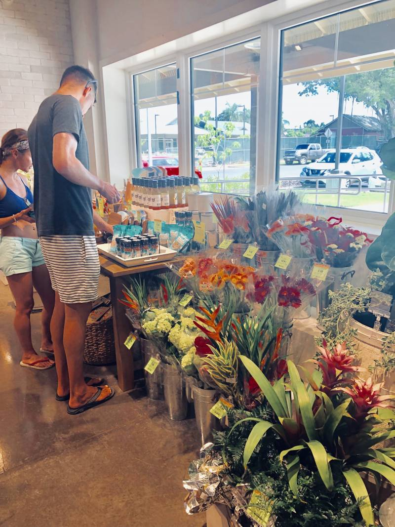 Kilauea Market + Cafe
