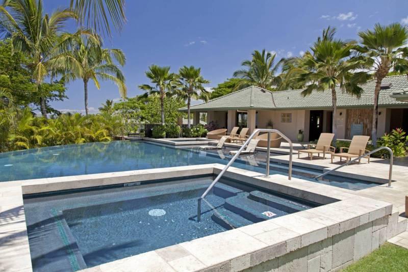 Waiʻulaʻula amenity area pool