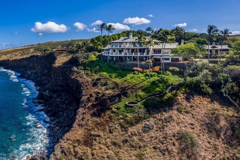 Oceanfront cliffs at Puakea Bay Ranch