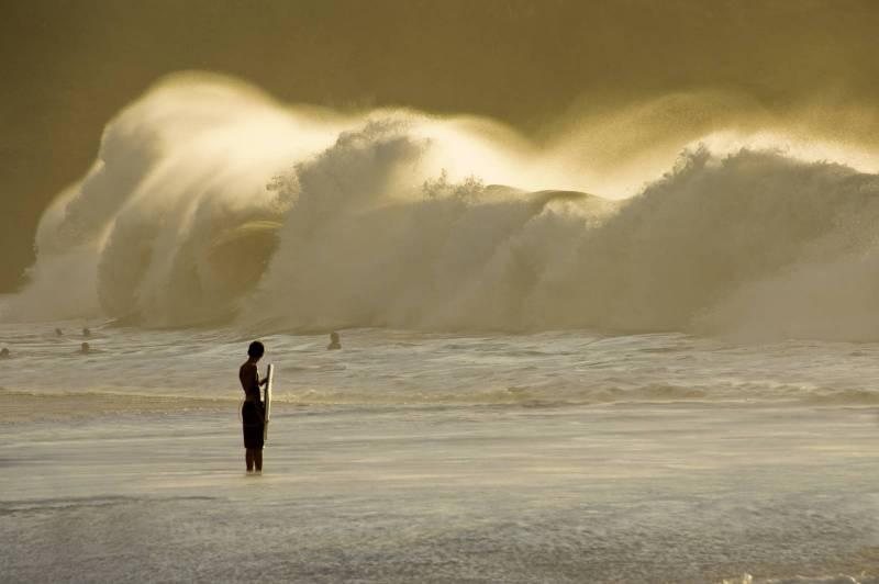 Mighty wave Hawaii