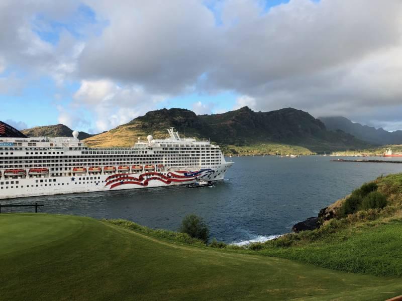 Cruise ship arrives Lihue Kauai