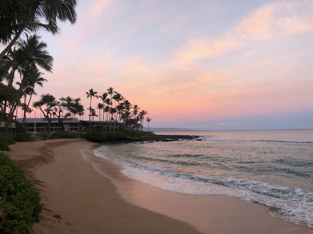 Sunrise over Napili Bay, Maui - Hawaii Interisland Travel Open
