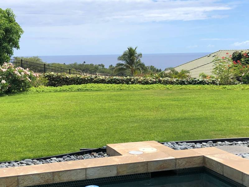 Waiʻulaʻula paired home with ocean view