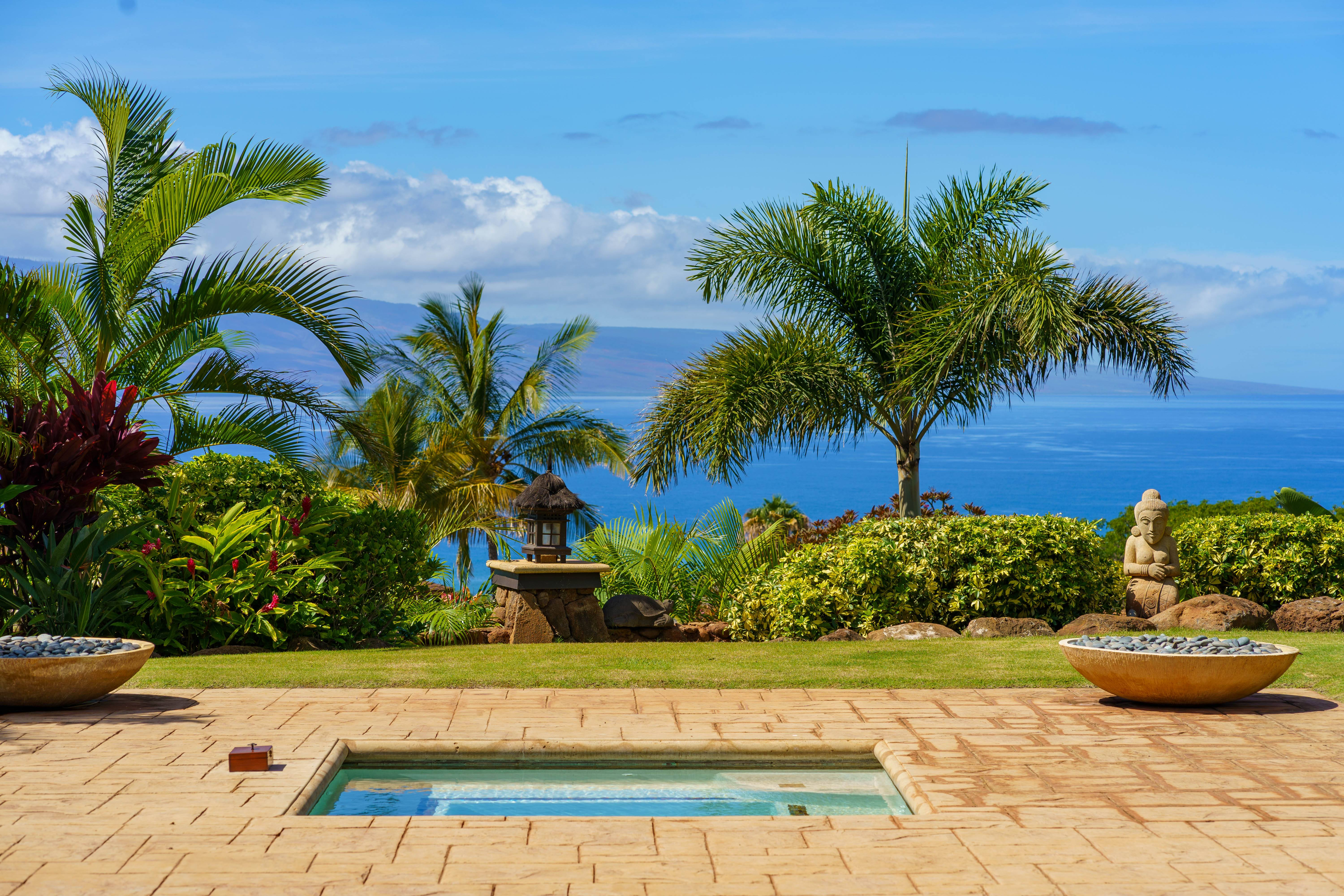 ocean views at Balinese-style estate in Launiupoko maui