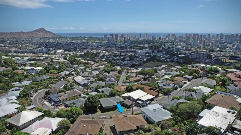 drone shot of honolulu hawaii home