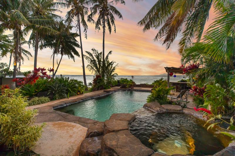backyard pool portlock oahu