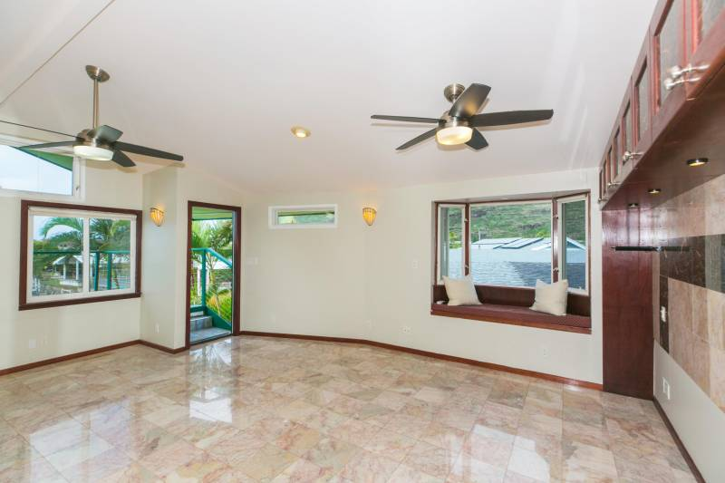 open living space oahu home