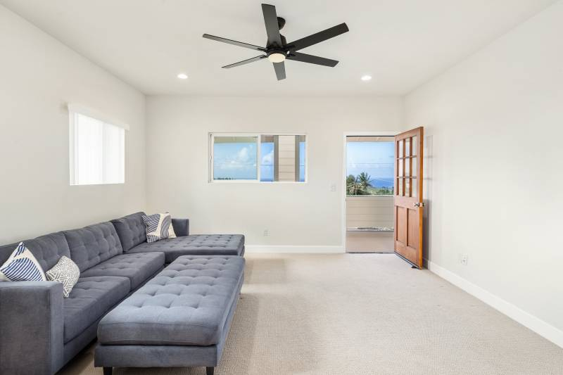 upstairs family room with access to lanai