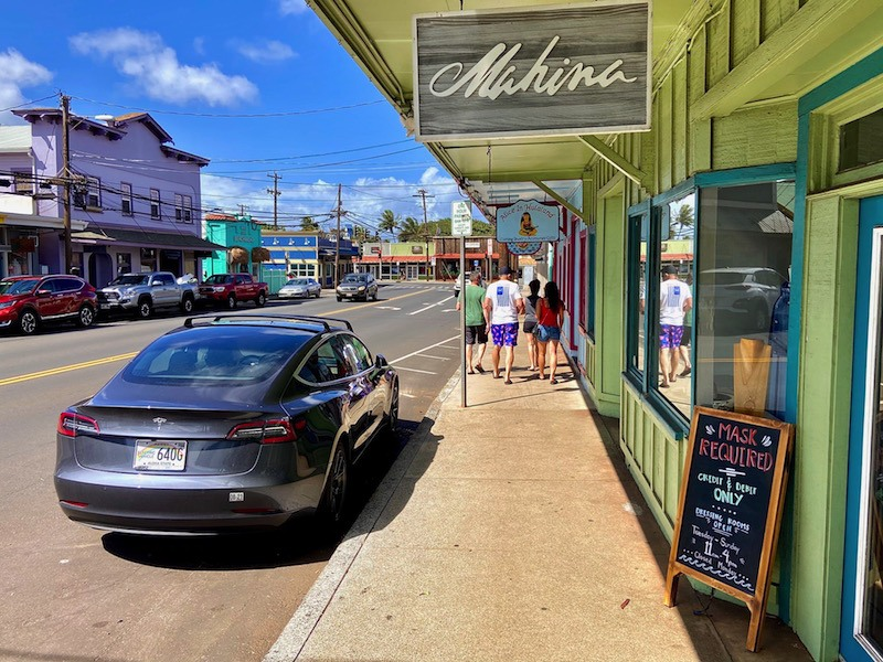shops in paia town maui