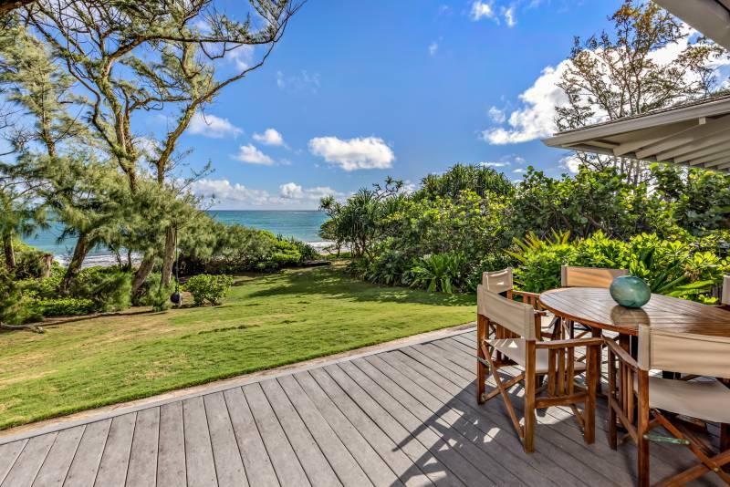 oahu cottage overlooking the ocean