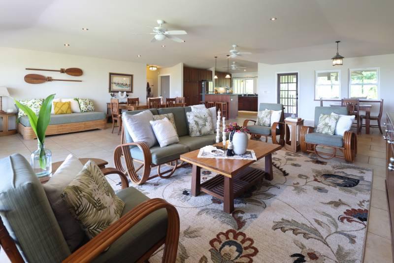 oahu cottage living room