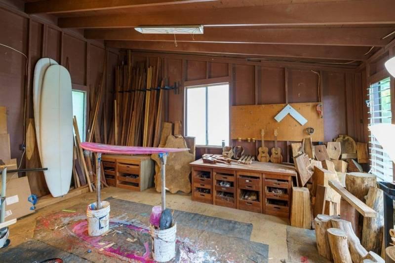 studio or mancave on kauai