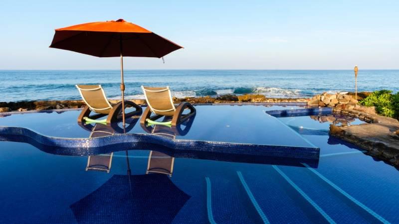 pool in ewa beach oahu with ocean view