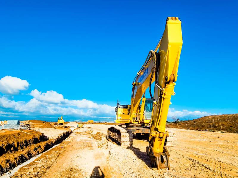 excavator clearing land on oahu